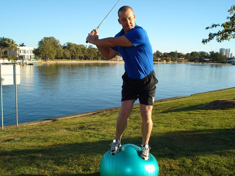 The basis ofeffective golf swing is a good balance. Photo: Elite Golf Fitness Australia